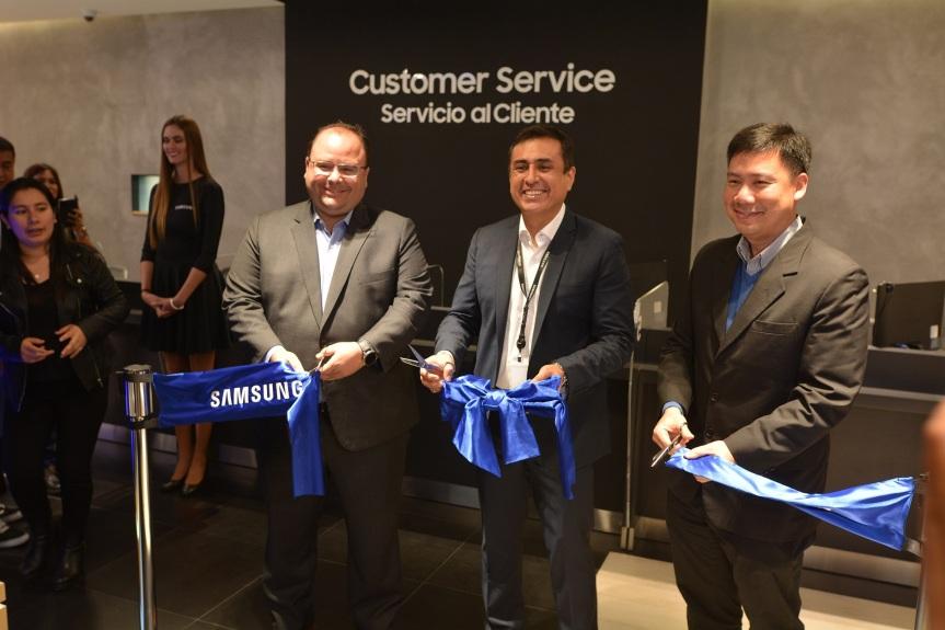 Samsung apertura su primer Customer Service Plaza en elPerú