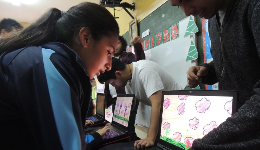 Estudiantes San Martín de Porras desarrollan 12 videojuegos en undía